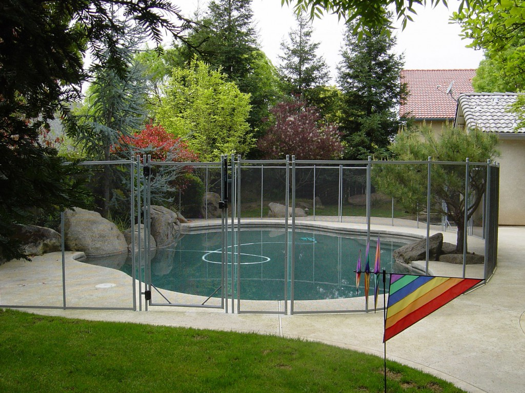 mesh pool fence