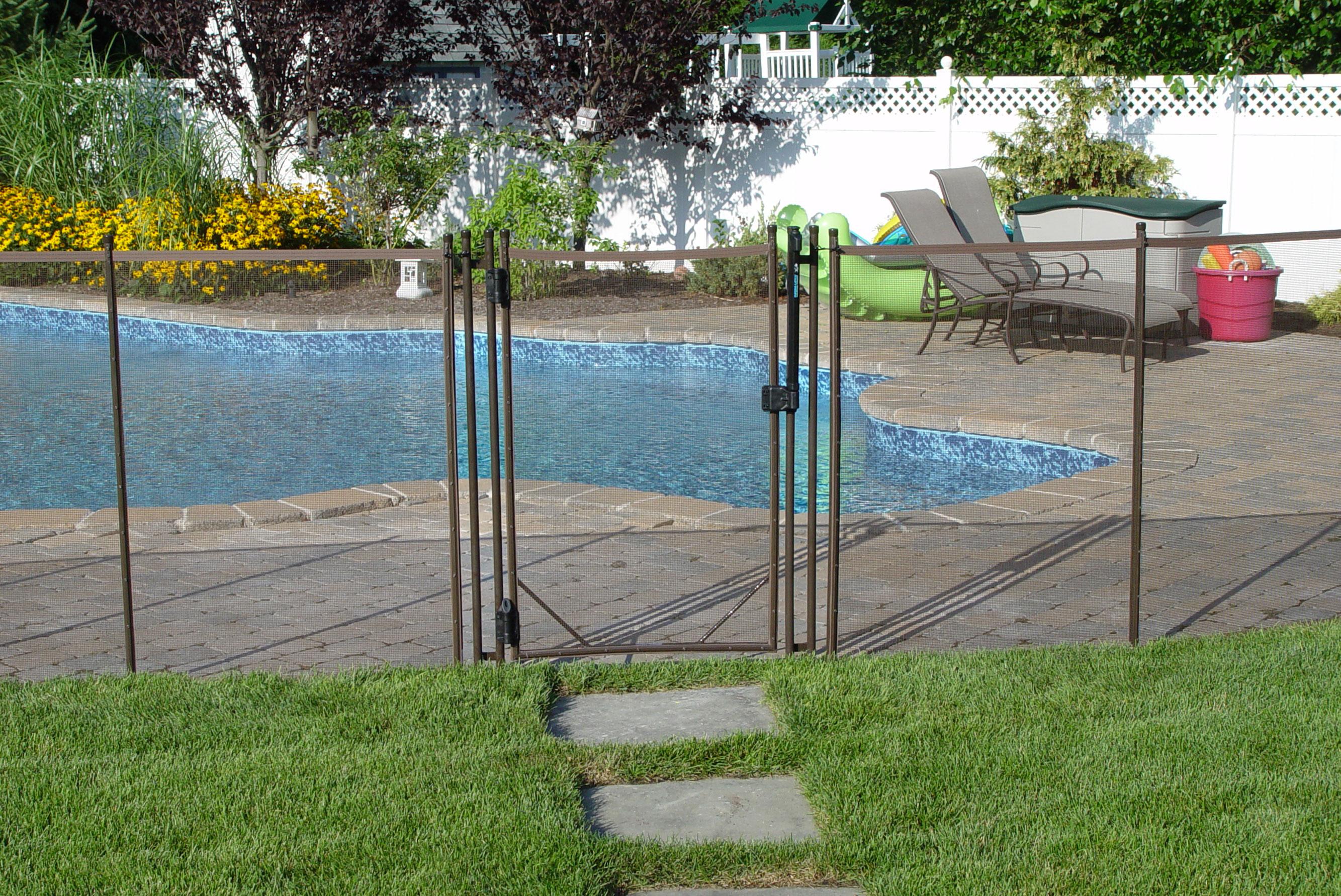 Pool safety fence fences